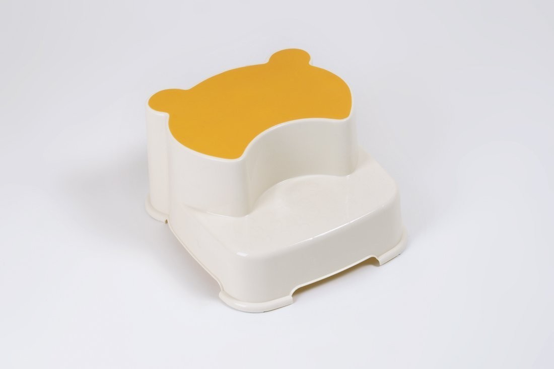 2 stufen kinderschemel tritthocker von dr schandelmeier. Black Bedroom Furniture Sets. Home Design Ideas